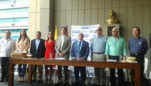 Garantizan calidad educativa en las escuelas Gobernación del Valle firma convenios con alcaldes